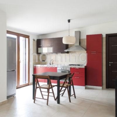 cucina dell'appartamento arredato